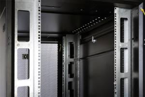 Шкаф 19 напольный серверный ЦМО ШТК-СП-48.8.10-44АА-9005-2