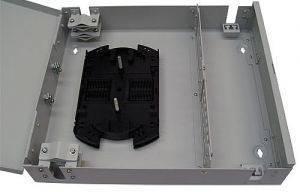 Кросс оптический настенный на 32 порта ST (FC) со сплайс-кассетой (без пигтейлов и проходных адаптеров)-2
