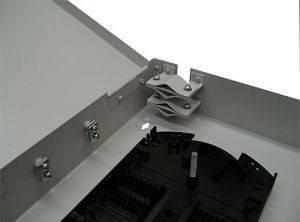 Кросс оптический настенный на 32 порта ST (FC) со сплайс-кассетой (без пигтейлов и проходных адаптеров)-4
