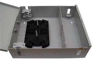 Кросс оптический настенный на 48 портов ST (FC) со сплайс-кассетой (без пигтейлов и проходных адаптеров)-2